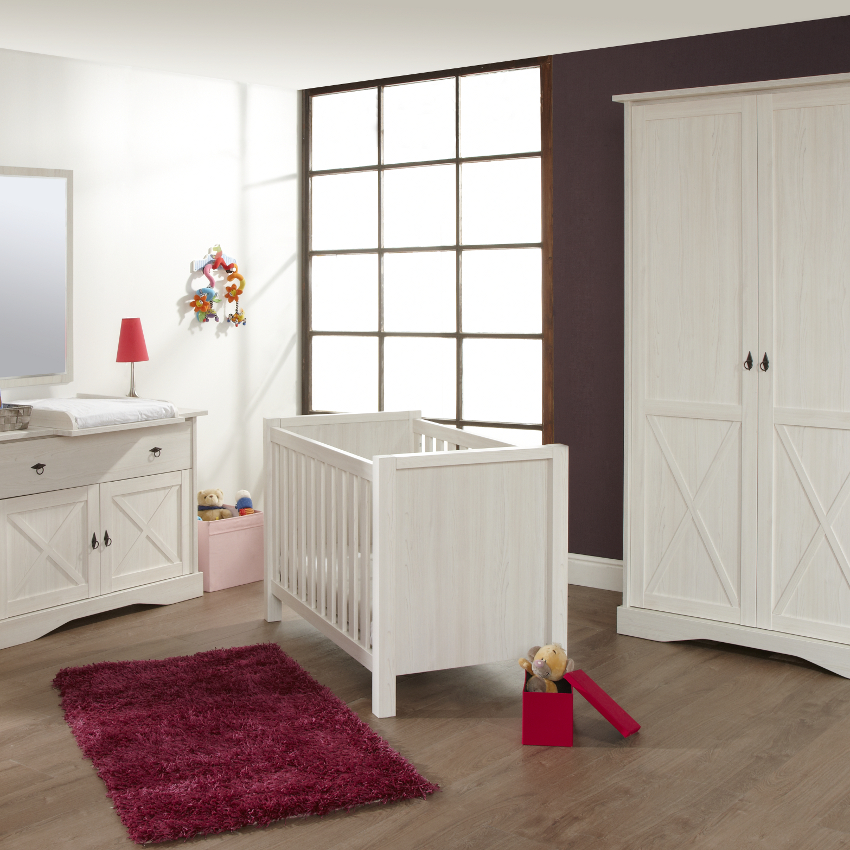 Babykamer Country Mélèze - Ledikant - Commode - Kast
