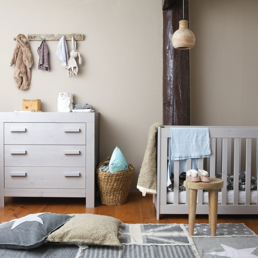 Babykamer Woood Wit - Ledikant - Commode - Kast
