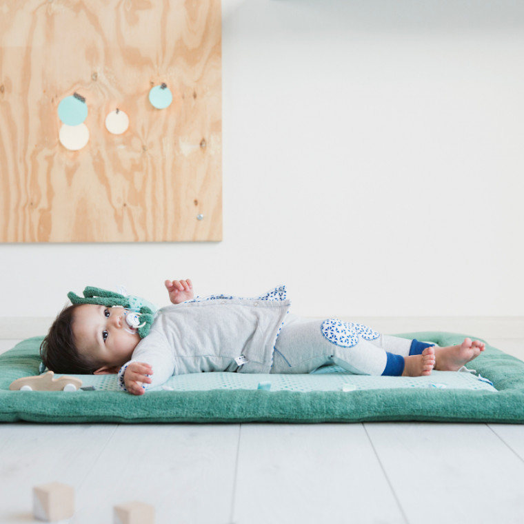 Snoozebaby Cheerful Playing Boxkleed Forest Green 85 x 105 cm