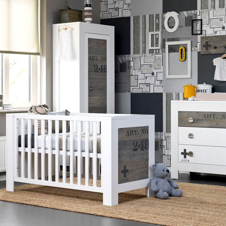 Babykamer Urban Wit Ledikant - Commode - Kast Medium