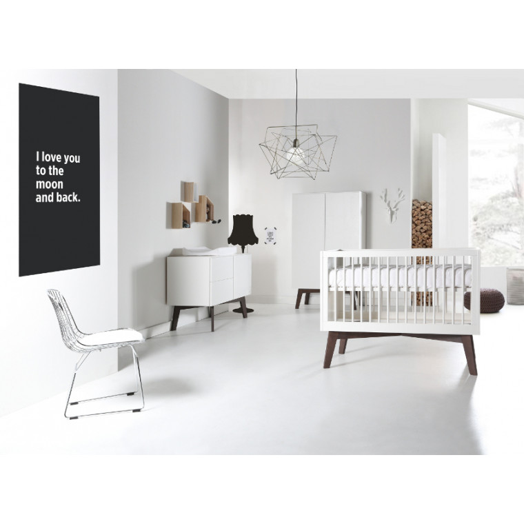 Kidsmill Sixties Babykamer Wit Mat / Walnoot | Bed 60 x 120 cm + Commode + Kast 2-Deurs