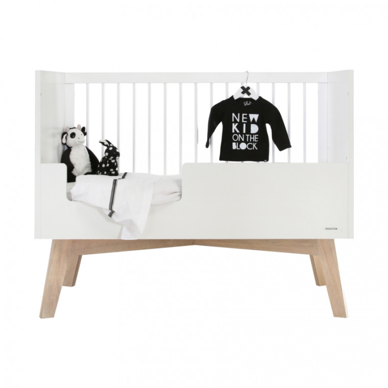 Kidsmill Sixties Babykamer Wit Mat / Naturel | Bed 60 x 120 cm + Commode + Kast 3-Deurs