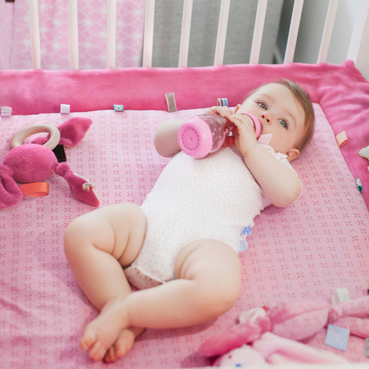 Snoozebaby Cheerful Playing Boxkleed Funky Pink 85 x 105 cm